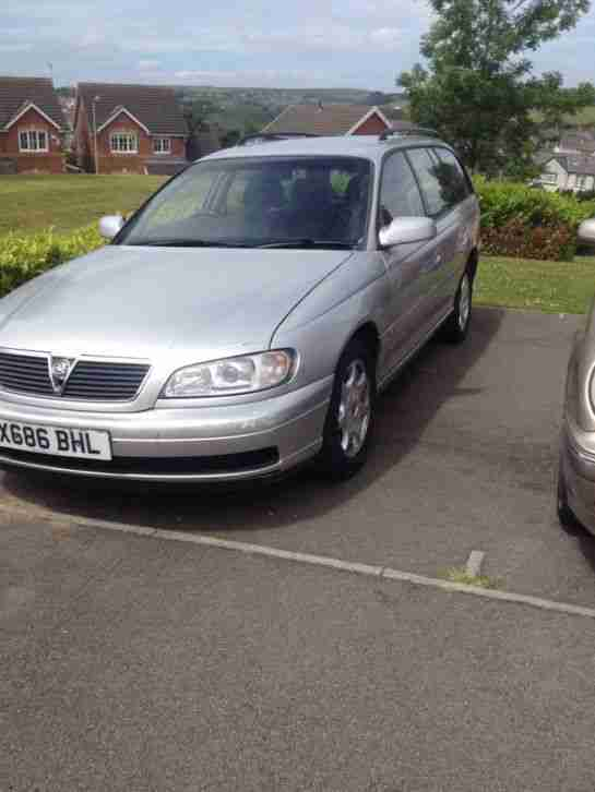vauxhall omega estate gls silver X reg only 88000 miles